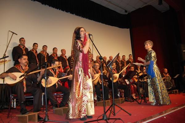 Bandırma Halk Müziği Korosu Büyüledi